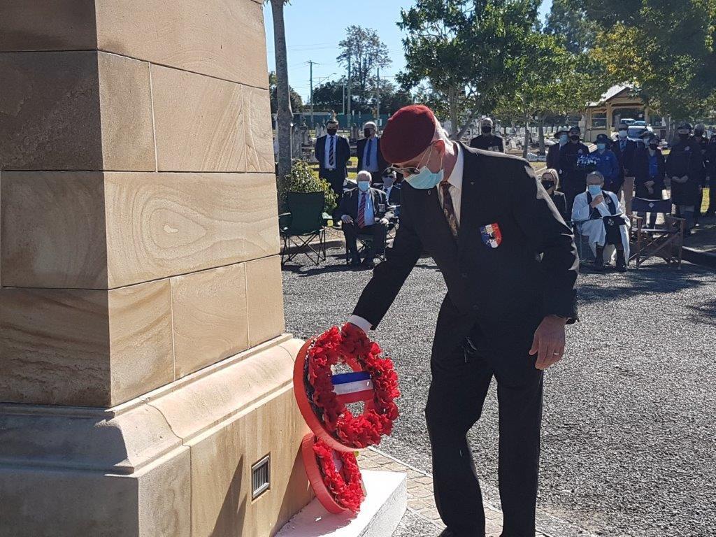 Veterans de l'Armee Francaise d'Australie Laying Wreath